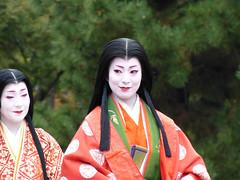 """""""Seishounagon"""" and """"Murasakishikibu"""" (arumukos) Tags: kyoto maiko geiko kimono gion teahouse yakata maikosan ochaya okiya hanamachi murasakishikibu gionkobu geikosan kagai ozashiki gionkoubu ochayagame ozashikiasobi mamechousan sonoesan jidaimatsuri2011 seishounagon"""