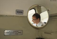 Doe wel en zie niet om (Marco Moerland) Tags: trolley spiegel tram denhaag streetcar trams strassenbahn pcc delijn streamliner fahrer htm tto tranvias dreamliner brugeoise tramvie bestuurder trambestuurder