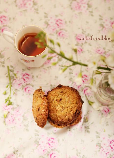Momofuku Cornflake-choc-chip cookies