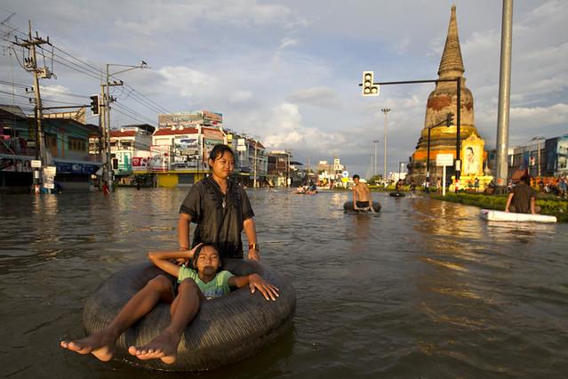 Thailand/Ayutthaya/Main road Over flow