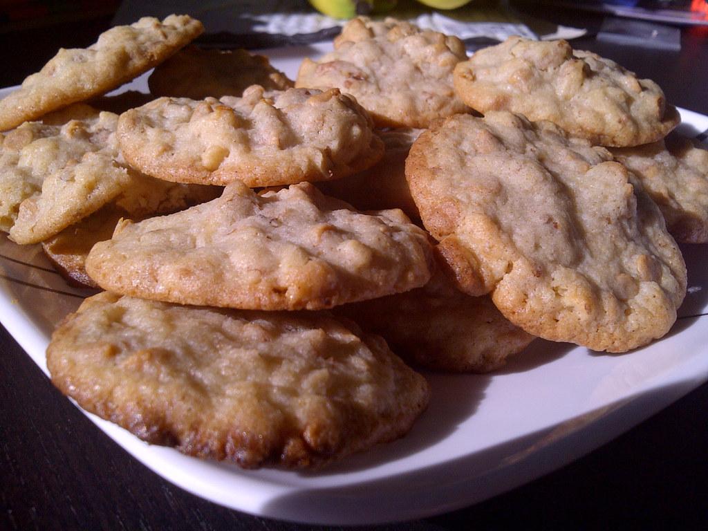 Butterscotch-Walnut Cookies