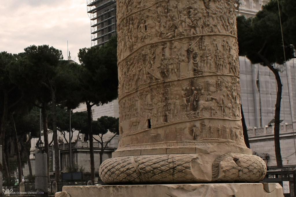 Uma grande parte dos conhecimentos atuais sobre a arte militar dos romanos no tempo dos imperadores são conhecidos graças a esta coluna, nela estão representadas várias cenas do quotidiano dos legionários como se pode vislumbrar nos detalhes da coluna.