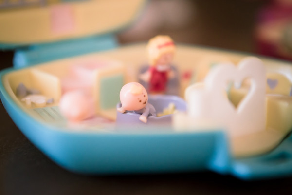 baby nursing polly pocket
