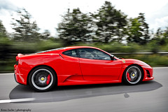 Speedy Gonzales (Keno Zache) Tags: red motion speed photography highway italia ferrari bäume scuderia verwischt 430 keno sportwagen zache cartocar