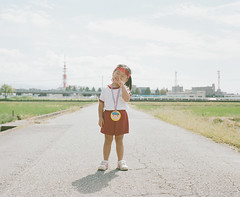 Gold Medalist (Toyokazu) Tags: family portrait sports girl goldmedal photogenic pentax67
