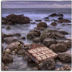 La caja de pescado HDR (kike.matas) Tags: espaa nature canon spain agua mediterraneo sigma caja nd catalunya olas hdr rocas tarragona filtro cokin largaexposicin kartpostal bej canoneos50d lalmadrava worldbest kikematas paololivornosfriends sigma2470f28ifexdghsm pse8 photomatixpro4 doubleniceshot virgiliocompany inspiredchoice