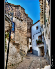 Sin rumbo. / Aimlessly. (Miguel Angel SGR) Tags: city travel espaa color colour architecture calle spain arquitectura nikon europa europe magic arc viajes trips 1001nights turismo arco hdr orton albacete piedra adoquin cascoantiguo greatphotographers d3000 efectoorton nikond3000 nikonflickraward 1001nightsmagiccity