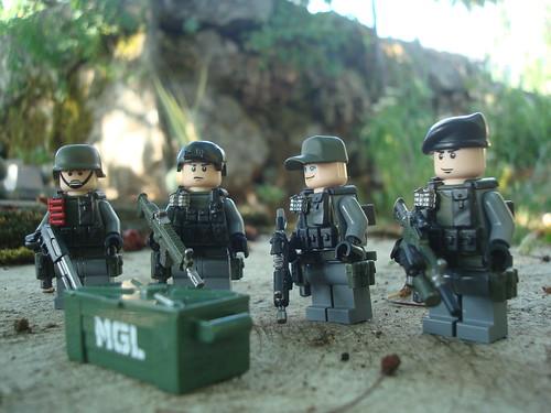 Custom minifig RDF - rapid deployment force - whole team