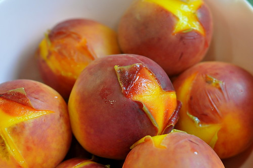 peaches peeling