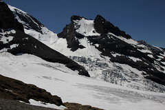 Grat gegen Blemlisalphorn und Blemlisalp Rothorn mit Blemlisalpgletscher ( Gletscher / Glacier ) im Kanton Bern in der Schweiz (chrchr_75) Tags: mountains alps nature landscape schweiz switzerland suisse hiking swiss natur glacier berge ralf bern juli alpen christoph svizzera gletscher landschaft berne berner wander berna 1107 wanderung wanderweg hohtrli suissa 2011 kanton chrigu wanderwege kantonbern brn chrchr hurni chrchr75 chriguhurni woche26 woche1126
