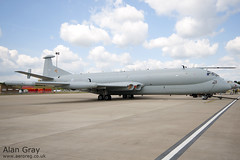 XW664 - HAWKER-SIDDELEY NIMROD R1 - 110702 - Waddington - Alan Gray - IMG_0286_1