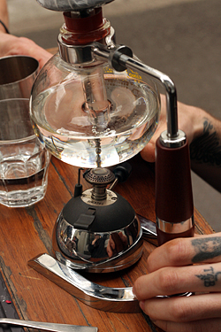 siphon coffee at single origin