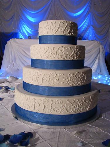 Classic design wedding cake