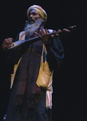 Sufi Music from around the World (2011) 04 - Gorbhanga Fakirs (KM's Live Music shots) Tags: india barbican worldmusic dotara sufimusic transcenderfestival gorbhangafakirs