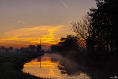 Sunrise (BraCom (Bram)) Tags: trees reflection reed netherlands windmill clouds sunrise bomen nederland wolken riet molen zuidholland spiegeling zonsopkomst noordeloos bej poldermolen wipmolen ubej bracom boterslootsemolen