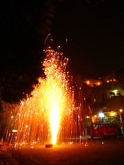 Fountain of lights (Adrakk) Tags: india festival fireworks cracker diwali firecracker ptard inde feudartifice pataka dipavali