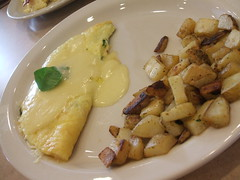 Omelet and ranch potatoes