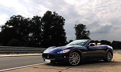 Built for relaxed Cruising. (Frankenspotter Photography) Tags: blue italy yellow canon eos photo italian shoot italia photoshoot thomas d nuremberg s gran adrian mm 1855mm 1855 cabrio efs supercar ef v8 maserati sportscar nrnberg sportscars supercars 1100 thelen ridel 1100d worldcars zeppelinstrase grancabrio frankenspotter merkenschlager soelch