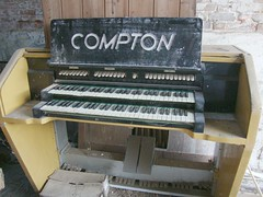 "Compton Rebuild<br /><span style=""font-size:0.8em;"">As found sitting in Jonnys barn</span> • <a style=""font-size:0.8em;"" href=""https://www.flickr.com/photos/87605699@N00/6326406125/"" target=""_blank"">View on Flickr</a>"
