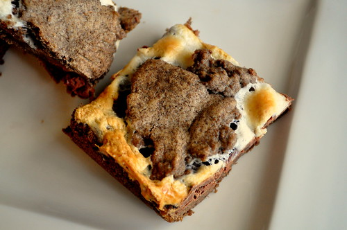 S'Mores-Cookie-Bars-02