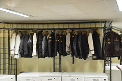 Coats and washing machines (Michiel2005) Tags: coat washingmachine jas wasmachine bontkraag