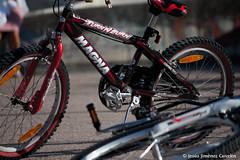 Bicicletas tiradas (By  Jess Jimnez) Tags: canon photography juegos paseo galicia jc bicicletas vigo jess 450d canon450d canoneos450d jessjimnezcarceln jessjcphotography