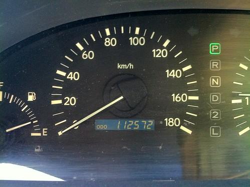 112,572km