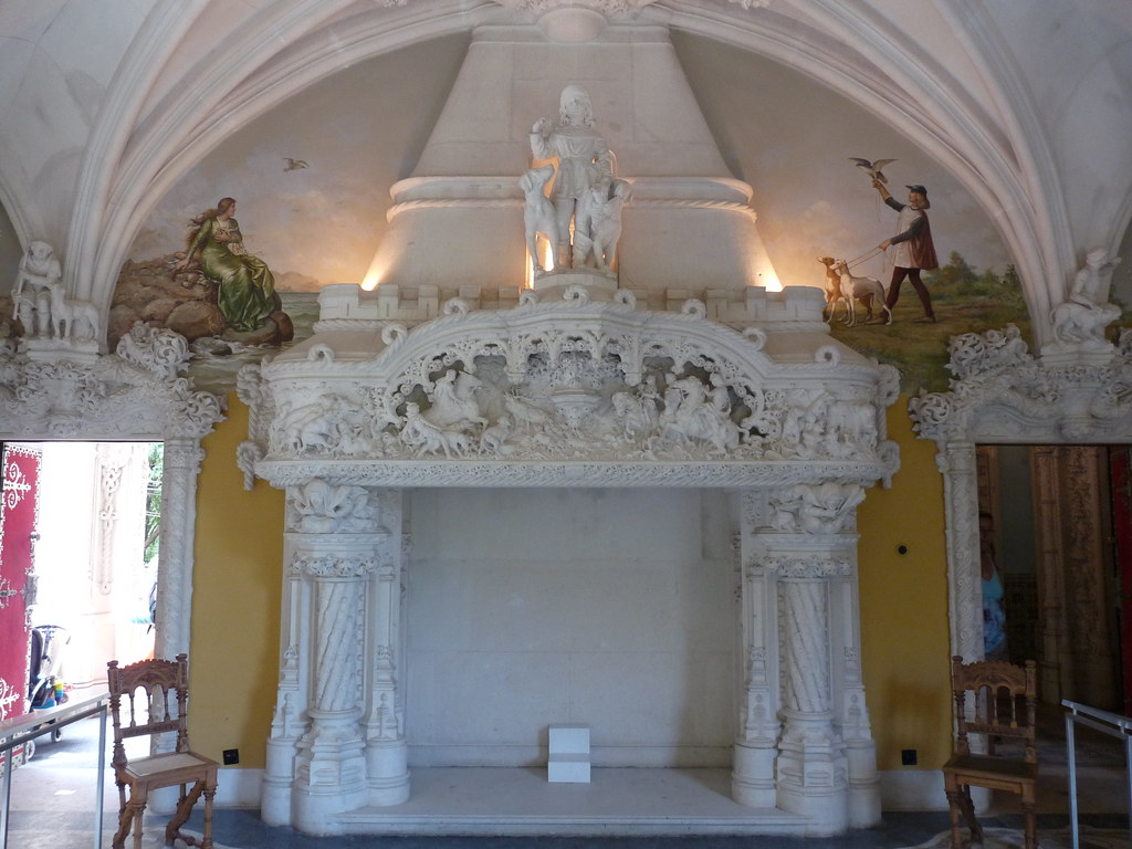 fireplace in Hunting Room, Quinta da Regaleira