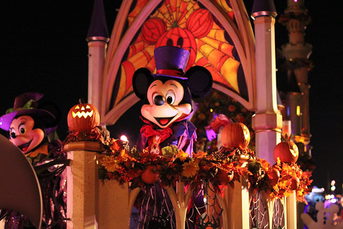 Mickey's Costume Party Cavalcade