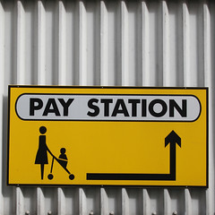 PAT STATION (Leo Reynolds) Tags: sign canon eos iso100 7d arrow peril f67 44mm 0006sec signinformation hpexif groupperil xleol30x