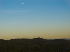 Afternoon Moon (CDR 'plores NYC&ROC) Tags: sunset sky moon landscape massachusetts valley westernmassachusetts g11 mtsugarloaf canong11