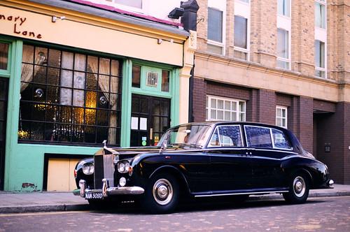 Rolls-Royce Phantom V by Gonçalo Reis Bispo