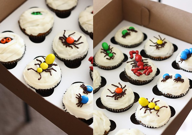 M&M Candy Bug Mummy Halloween Cupcakes