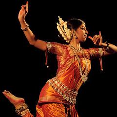 Odissi dance recital by Rasmi Raj photographed at Rabindra Mandap, Bhubaneswar Orissa (Rajesh. P) Tags: orissa odissi bhubaneswar nrityagram rabindramandap 10132011 devdasinationaldancefestival devdasinrutyamandir rasmiraj mahakalistotra 8classicaldancesofindia yogicscience templeritualdances 2dayorissatour
