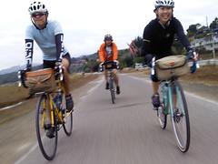 Mill Valley Bike Path (juicyrai) Tags: cameraphone peace hand marincounty bikeride peacesign cheesey vsign millvalley sfrandonneurs env3 lgvx9200 bikeridesfr bikeridenicasio