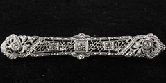 4028. Edwardian 14KT Diamond Bar Pin