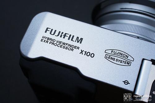 Fuji_X100_exterior_11