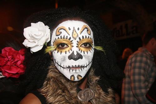 Dia de Los Muertos: Painted Woman