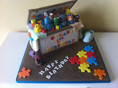 Toy box cake (Cakes by Lea) Tags: cake novelty gumpaste kidscakes noveltycake kidscake 3dcake boyscake igglepiggle edibletopper