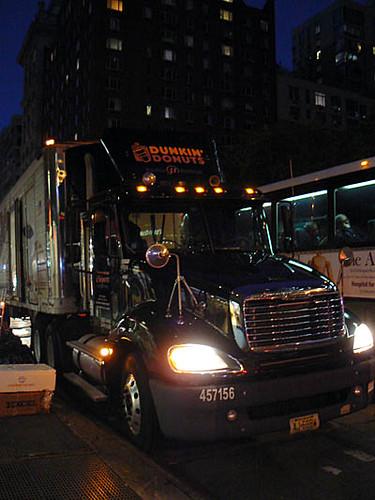 dunkin donuts camion.jpg