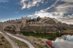 Toledo [FRONT PAGE] (Fil.ippo) Tags: toledo spain spagna cityscape d5000 filippo tago river fiume water panorama sigma 1020 raw photoshop reflection riflessi filippobianchi