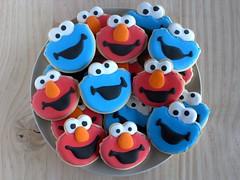 Elmos & Cookie Monsters (IFeelCook) Tags: cookies elmo sesamestreet icing cookiemonster galletas triqui royalicing decora