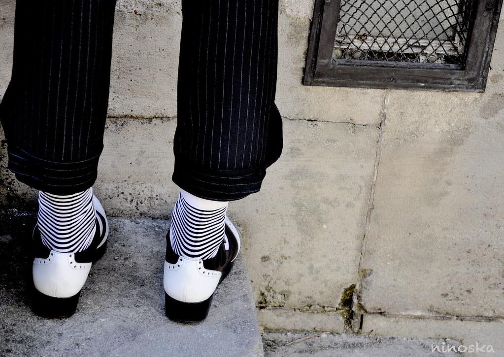 chausseurs-blancs-et-noirs