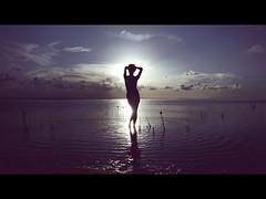 Less (Renato Valley) Tags: sol lost island agua heaven xx first sombra valley xxx laguna silueta rv renato f4x renatovalley