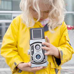 (sweethardt) Tags: camera girl vintage child blond blonde uniflexii
