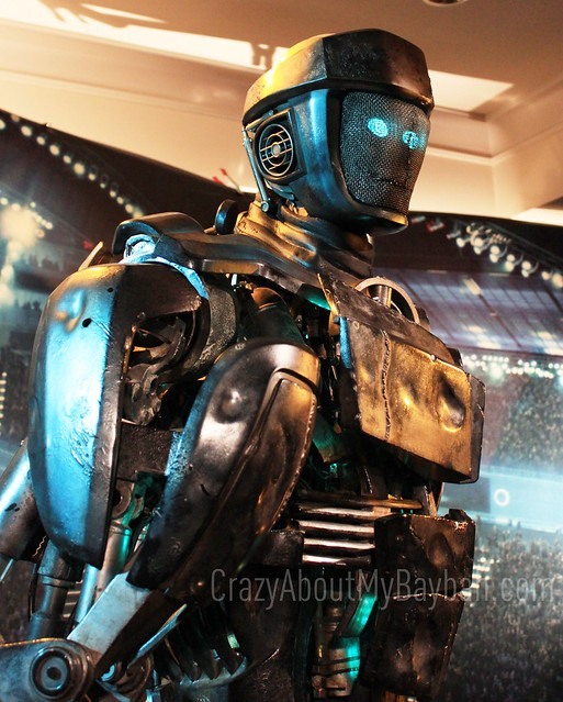 6250895041 a094c20aa1 z See Atom from Real Steel Come to Life @RealSteelMovie