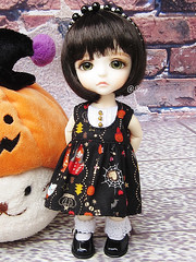 Halloween dress for lati (BeautifulPinPin) Tags: halloween outfit doll dolls nikki dress lea cloth odeko latiyellow pukifee beautifulpinpin bjdcloth