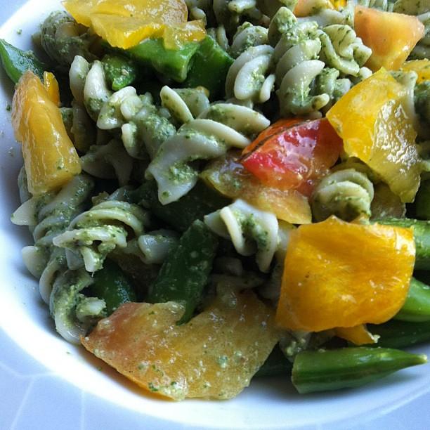 Pesto & peas (sorrel & snaps)