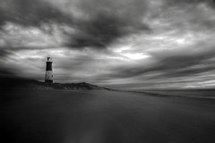 Spurn Point Beach (Chris McLoughlin) Tags: longexposure morning bw landscape blackwhite sand hdr spurnpoint 1755mm a580 chrismcloughlin sonya580