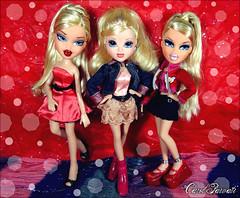The Great Moxie REVOLUTION :The Shoes of a Revolutionary Model - Elisa, AVERY and Brenda (Carol Parvati ) Tags: holiday shoe shoes doll iceskating brenda avery elisa bratz cloe magichair headgamez playsportz moxiegirlz carolparvati winterballbeauty